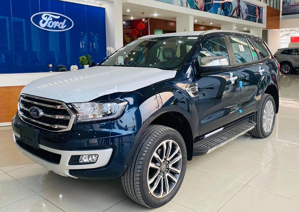 gia xe ford everest tai long an (2)