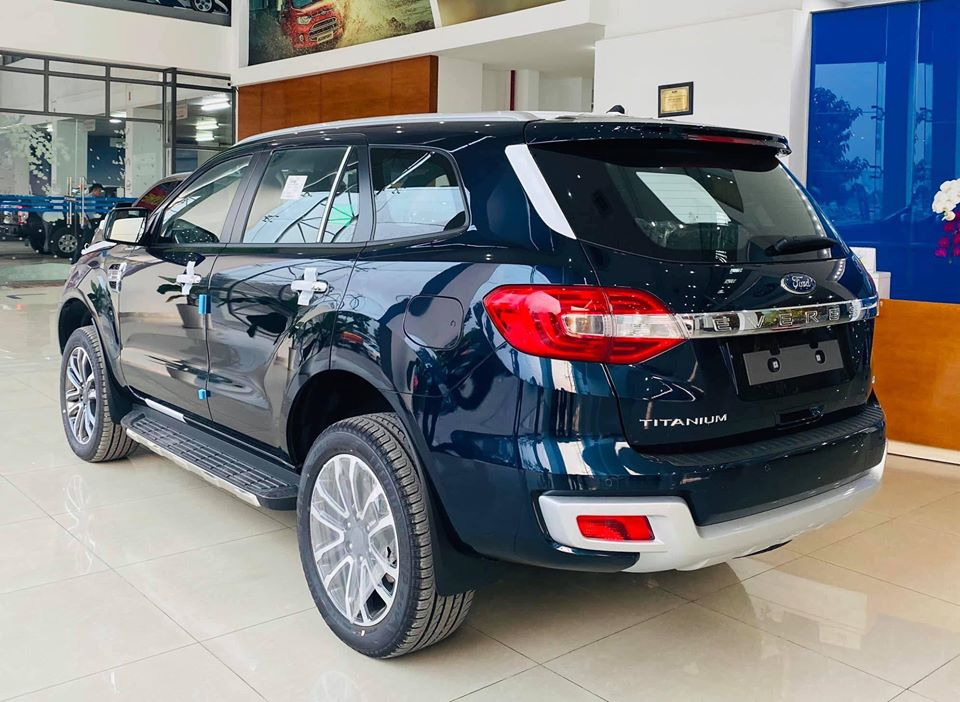 gia xe ford everest tai long an (19)